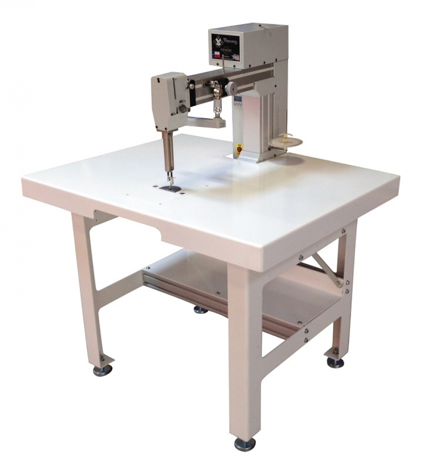 INNOVA® Sit-Down Longarm Quilting Machine - Metal